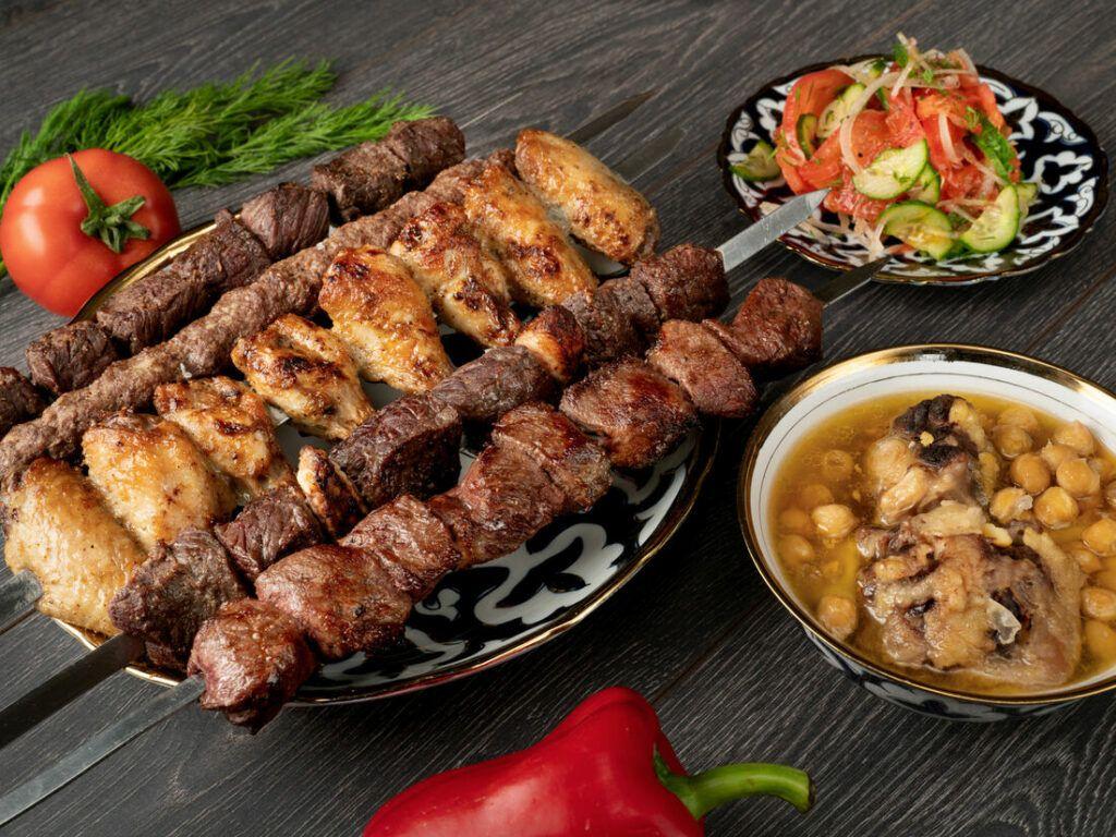 Узбекский шашлык из говядины с салом