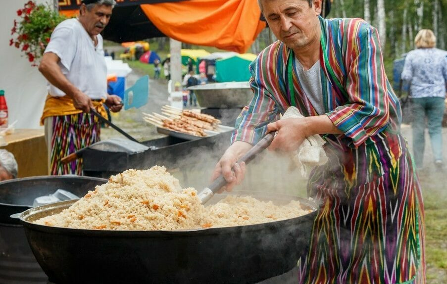 Кто готовит узбекский плов