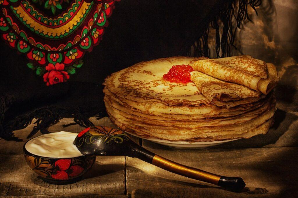 Блины с икрой в русской кухне